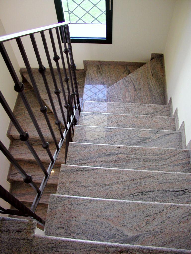 Pietra Grigia Per Davanzali scale, caminetti, piani per bagni, piani per cucine, soglie